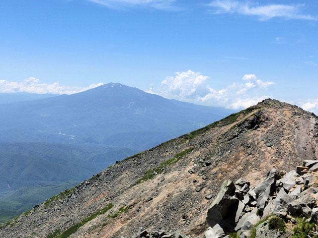 奥ノ院と御嶽山